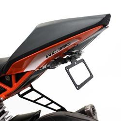 RC390 17-19 (Black Oggy Fender Eliminator)